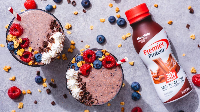 Q4 Premier Aug Social Recipe Chocolate Berry Smoothie web bottle