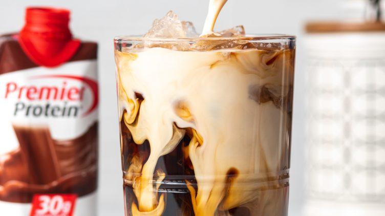 Image de recette pour: Moka Glacé Au Chocolat Et Au Caramel